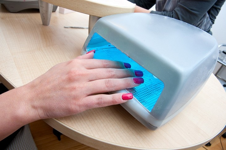 using uv lights for nail polish