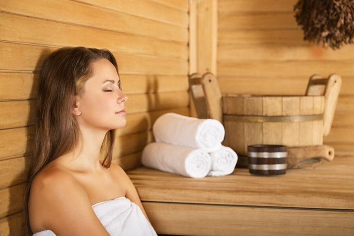 how long should you stay in a sauna